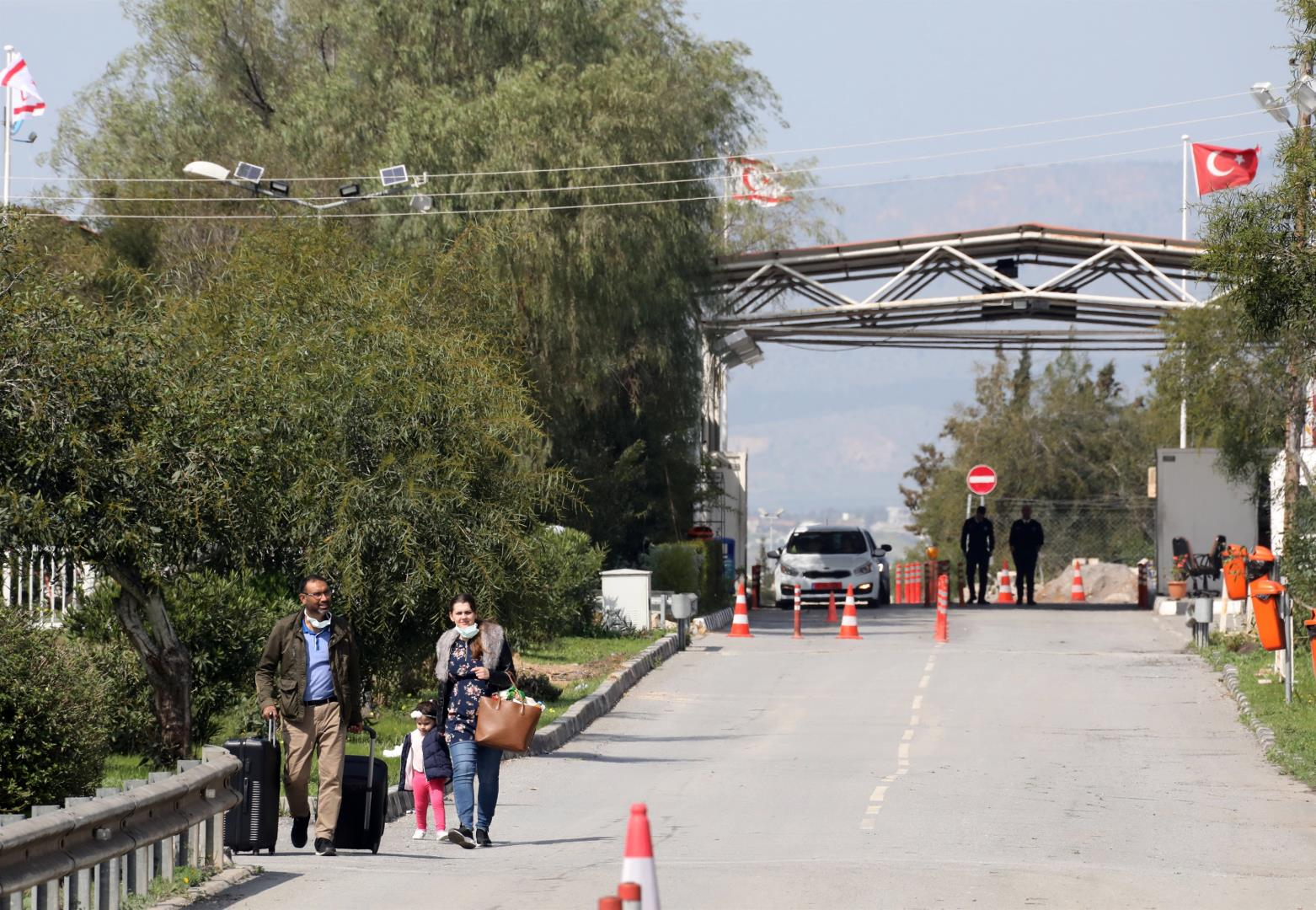 Closed Cyprus checkpoint due to Covid-19